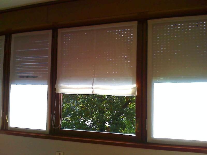 Tende a vetro per finestre di piccole dimensioni per arredare la