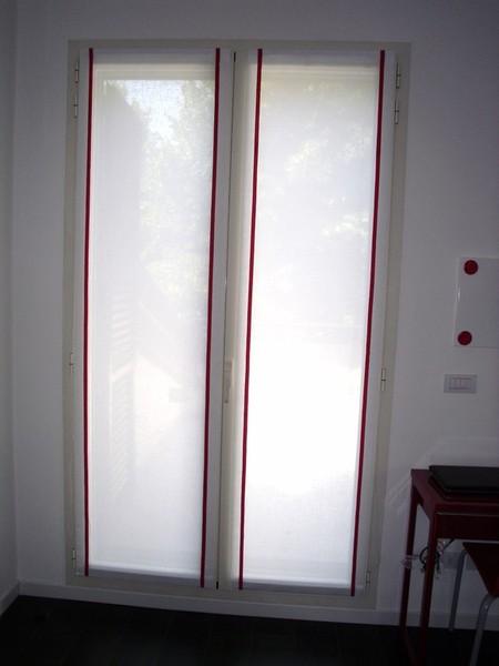 Tende a vetro per finestre di piccole dimensioni per for Tende per finestre da interno